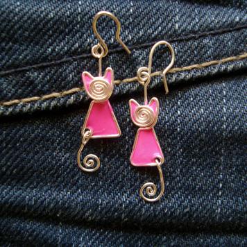Kolczyki Mini Kotki Zakręcone Różowe