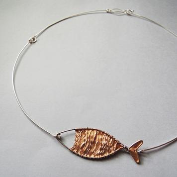 Naszyjnik ze Złotą Rybką