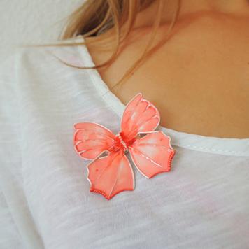 Broszka Motyl Morelowy